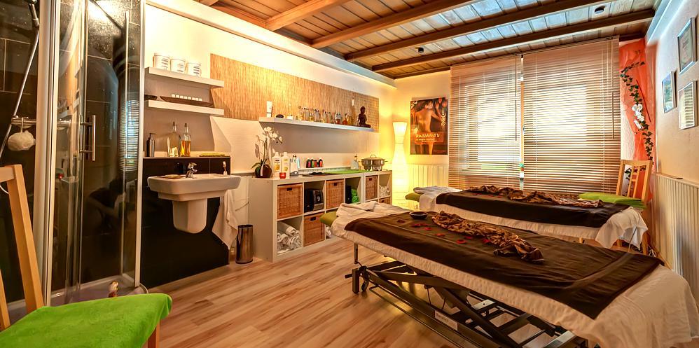 algen ganzk rper packung mit massage hotel am kurpark in. Black Bedroom Furniture Sets. Home Design Ideas
